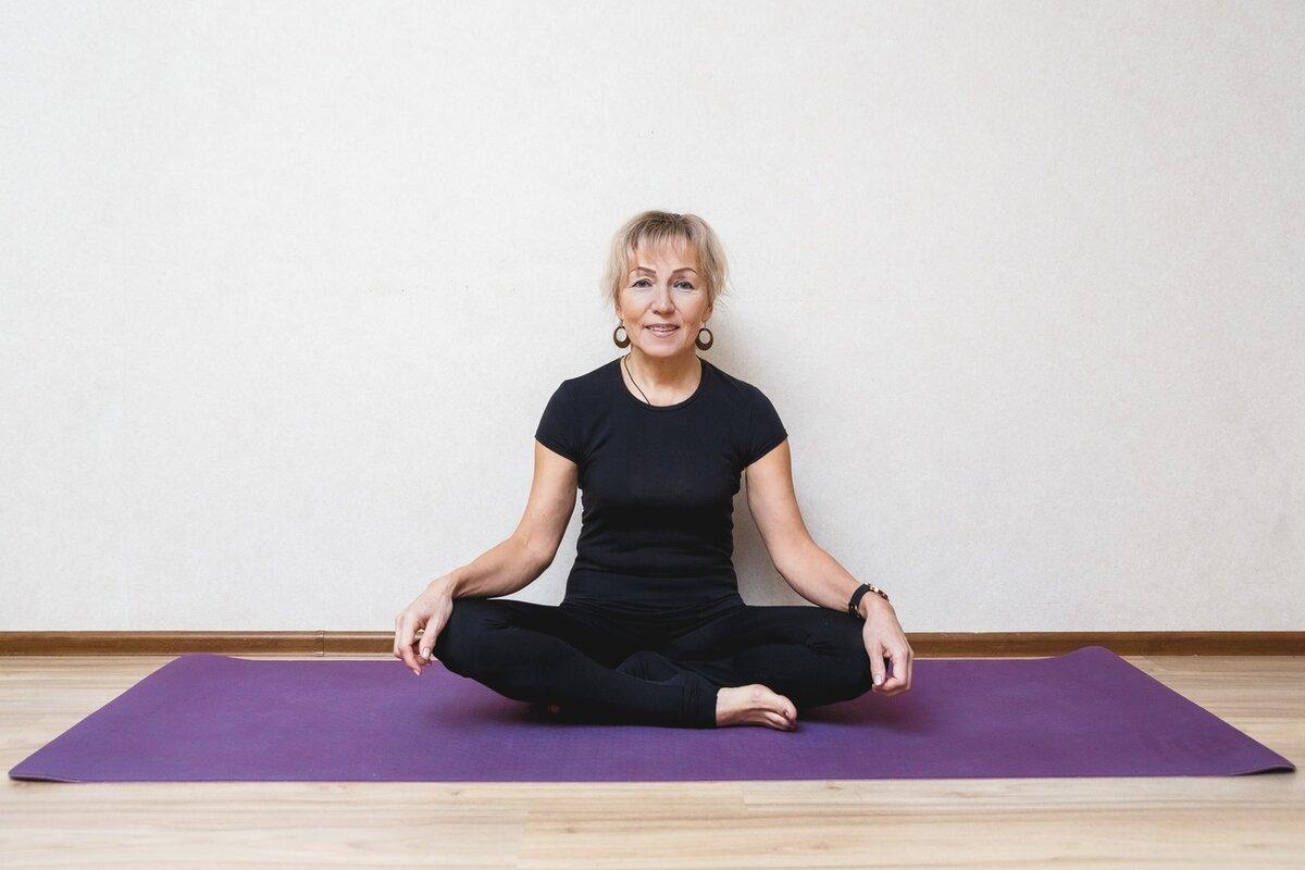 Начала выполнять простую гимнастику. Через месяц в 53 года почувствовала, будто мне снова 25.