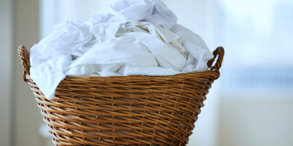 Нужно ли гладить постельное бельё после стирки: плюсы и минусы