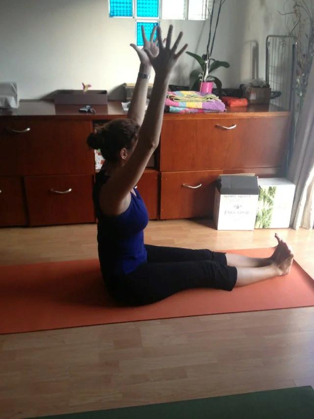 Выполняю всего ОДНО простое упражнение, благодаря которому, в мои 55 лет, улучшается проходимость в кишечнике. Делюсь опытом.