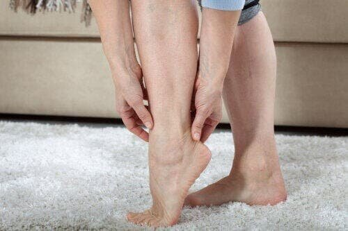 Усталость и тяжесть в ногах: причины и советы